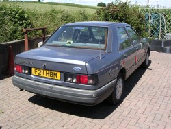 Ford Sierra Sapphire 2.0 GL - ready for dismantling.